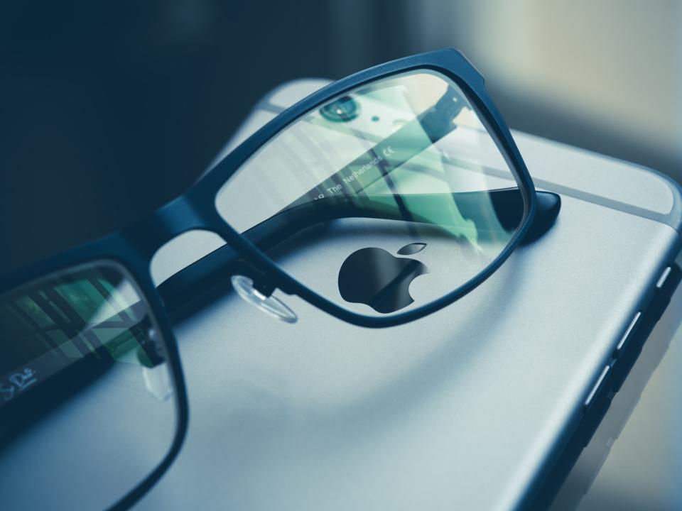 Заменим стекло на iPhone