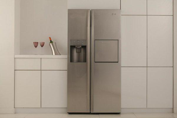 Холодильник гудит – что делать